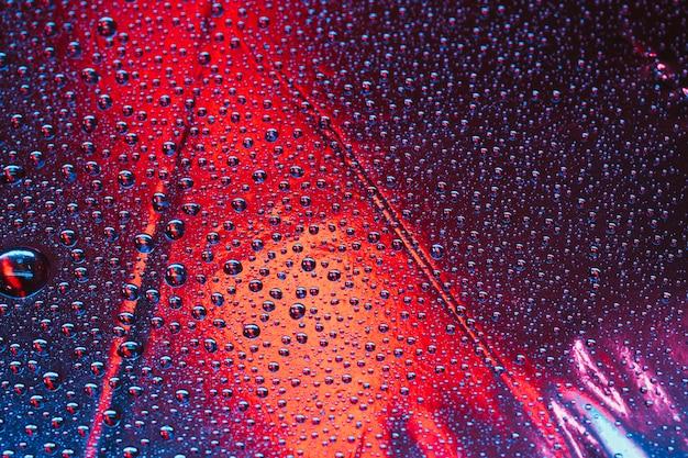 Full frame del modello astratto bolle trasparenti su sfondo luminoso