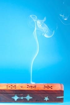 Fumo di incenso indiano