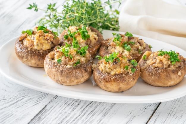 Funghi ripieni con crema di formaggio