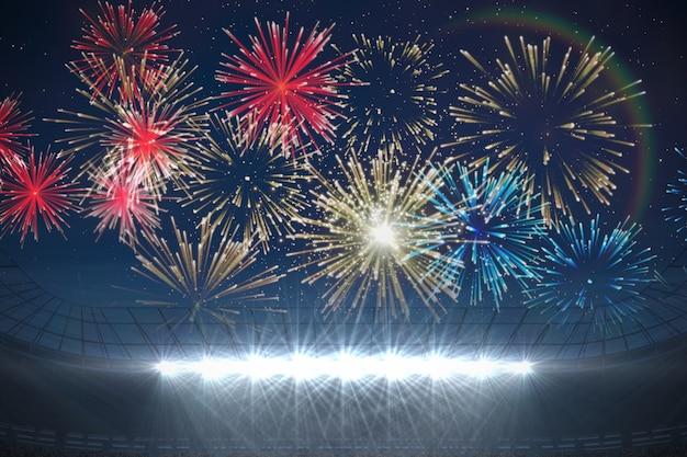 Fuochi d'artificio che esplodono sullo stadio di calcio