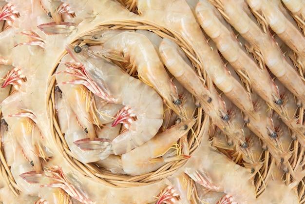 Gamberetti freschi crudi, sfondo di gamberi