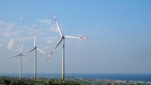 Generazione di energia eolica turbina centrale eolica