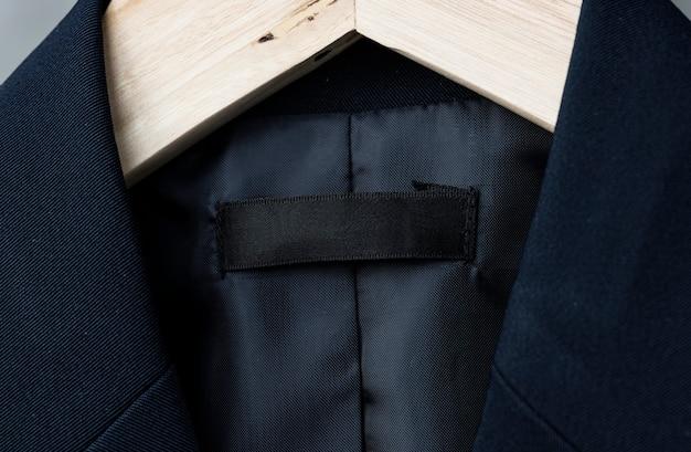 Giacca con etichetta di marca vuota