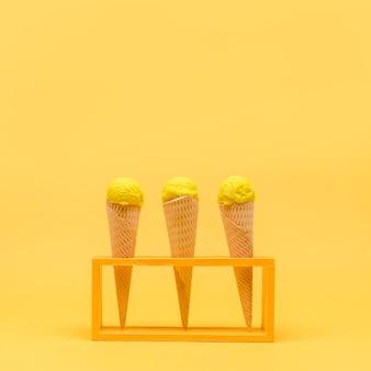 Giallo still life di gelato