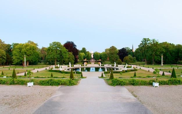 Giardino al palazzo di sanssouci a potsdam, germania