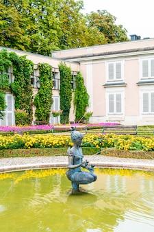 Giardino mirabell nella città di salisburgo