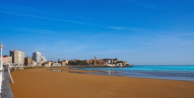 Gijon playa san lorenzo spiaggia asturie spagna
