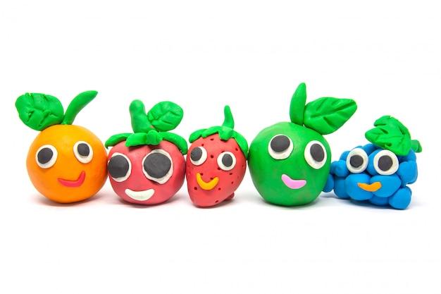 Gioca a imitazione di frutta su bianco
