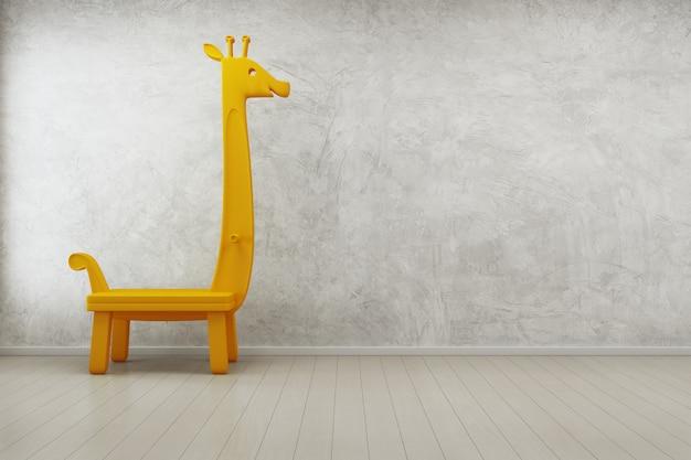 Giochi la giraffa nella stanza dei bambini della casa moderna con il muro di cemento vuoto