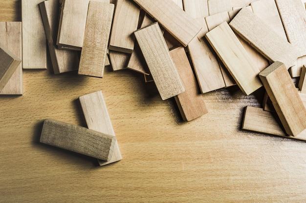 Gioco di blocchi di legno