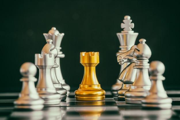 Gioco di scacchi di strategia gioco di sfida di intelligenza sulla scacchiera.