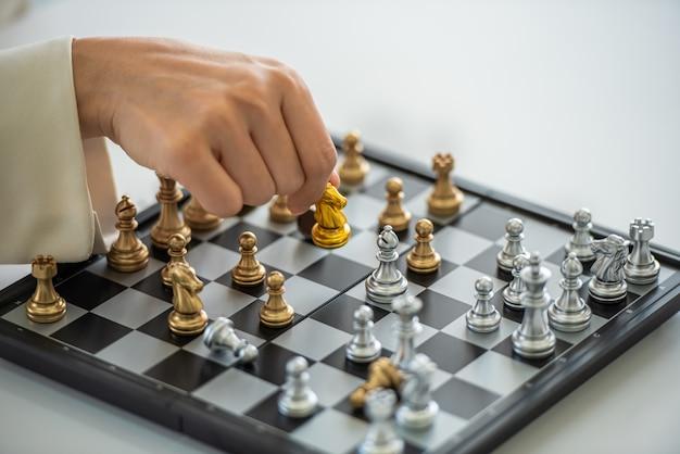 Gioco di strategia e tattiche di scacchi