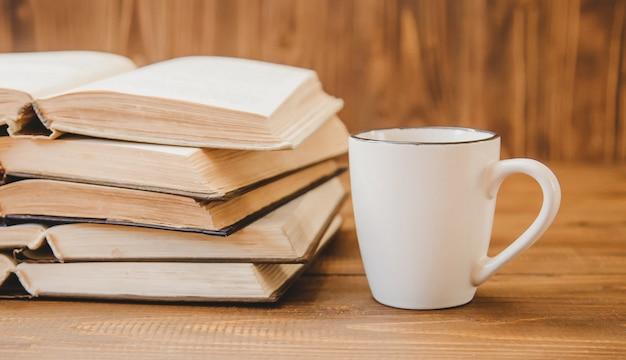 Giornata mondiale del libro. sfondo del libro messa a fuoco selettiva