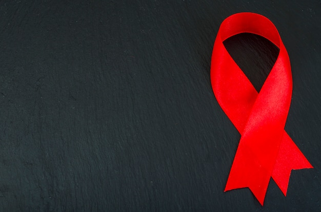 Giornata mondiale dell'aids con nastro rosso