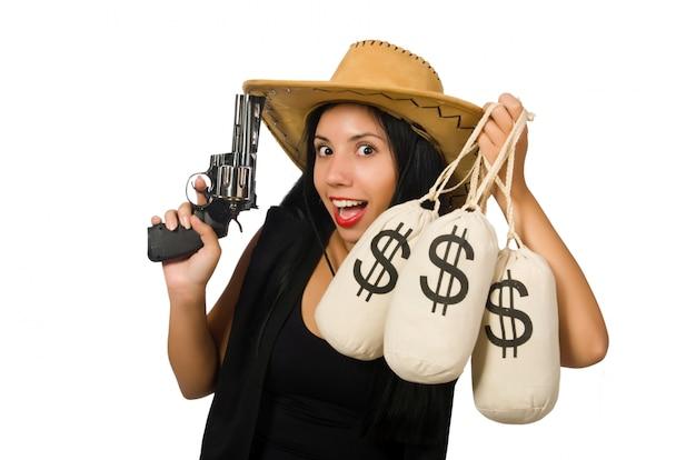 Giovane donna con sacchi di pistola e denaro