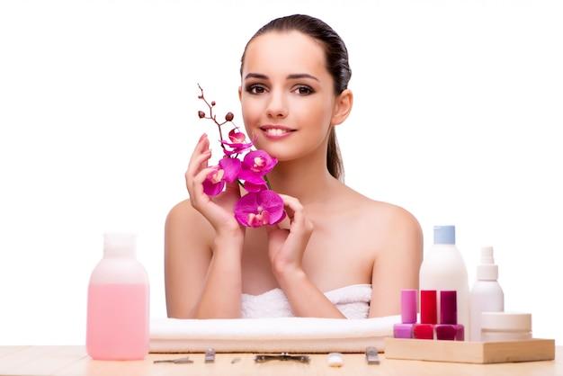 Giovane donna in trattamento di bellezza