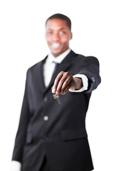 Giovane imprenditore in possesso di un tasto