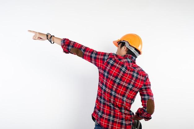 Giovane ingegnere che è determinato a svolgere il proprio lavoro con successo. foto per il tuo business