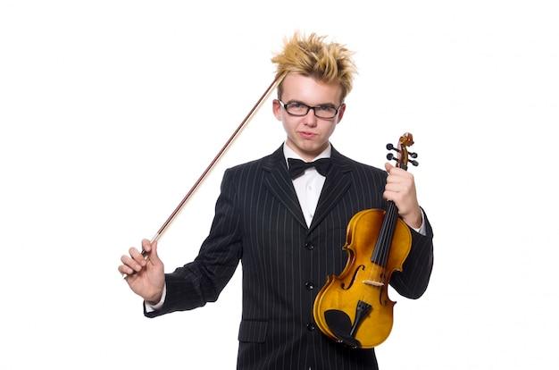 Giovane musicista con violino isolato su bianco