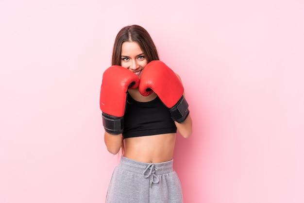 Giovane pugilato sportivo caucasico della donna