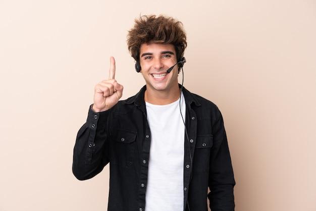 Giovane telemarketer