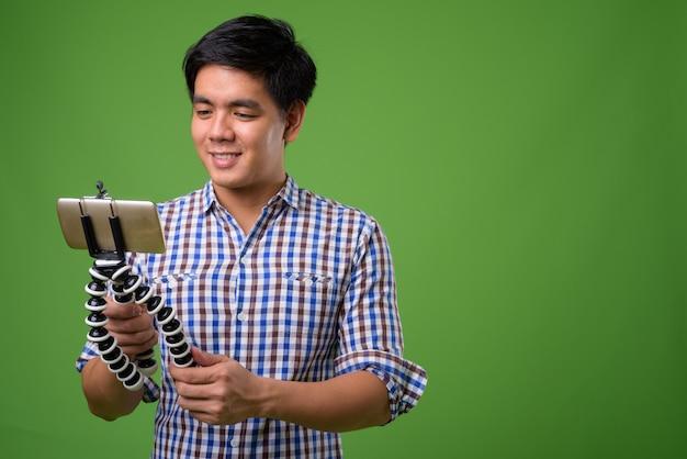 Giovane uomo filippino bello