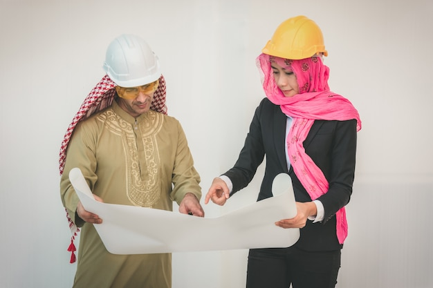 Gli architetti arabi stanno progettando un nuovo progetto
