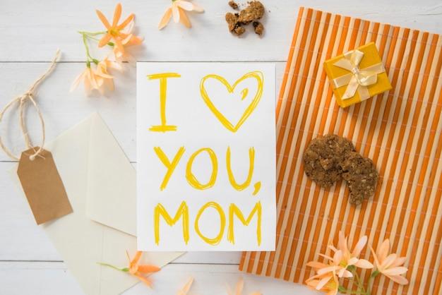 Gli attributi del giorno piatto della mamma