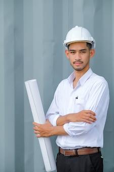 Gli ingegneri strutturali stanno per essere redatti su carta bianca.