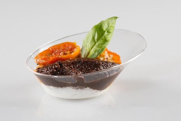 Gli spuntini sani deliziosi sono servito al ricevimento nuziale, concetto di approvvigionamento dell'alimento