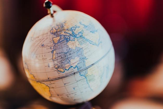 Globo con mappa del mondo