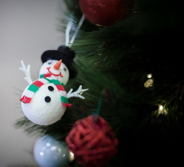 Globo dell'uomo della neve per l'albero di natale