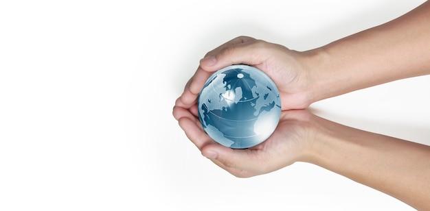 Globo, terra in mano umana