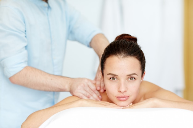 Godendo il massaggio