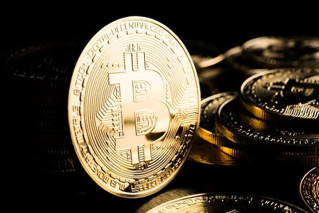 Golden bitcoin, concetto di moneta elettronica