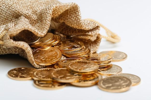 Golden rmb monete nel sacchetto di stoffa