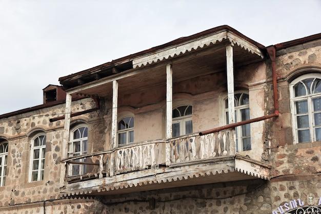 Goris è una piccola città tra le montagne del caucaso, in armenia