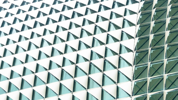 Gradiente bianco del triangolo piegato modello astratto