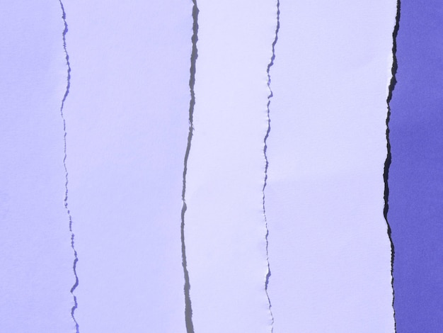 Gradiente viola di composizione astratta con carte a colori