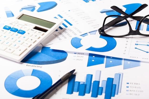Grafici commerciali blu