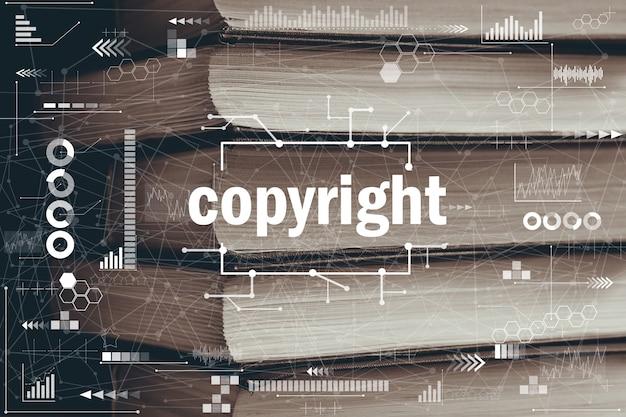 Grafico astratto di concetto del copyright sul fondo dei libri.