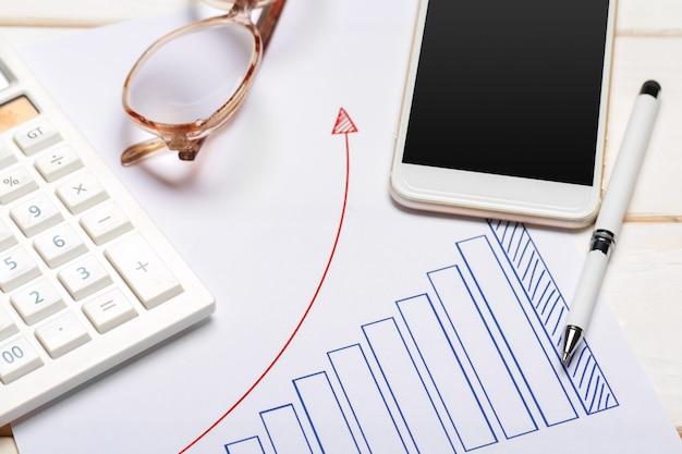 Grafico di affari che mostra successo finanziario