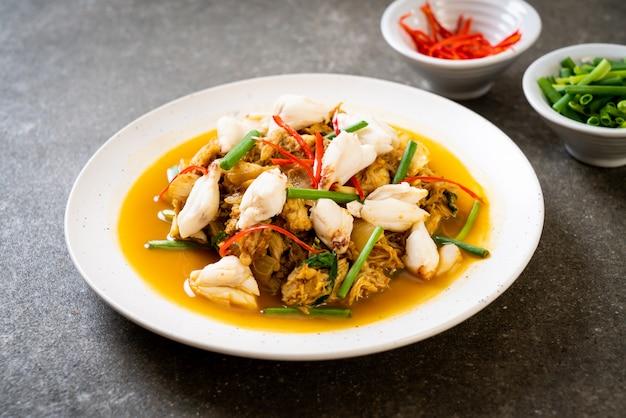 Granchio fritto con polvere di curry