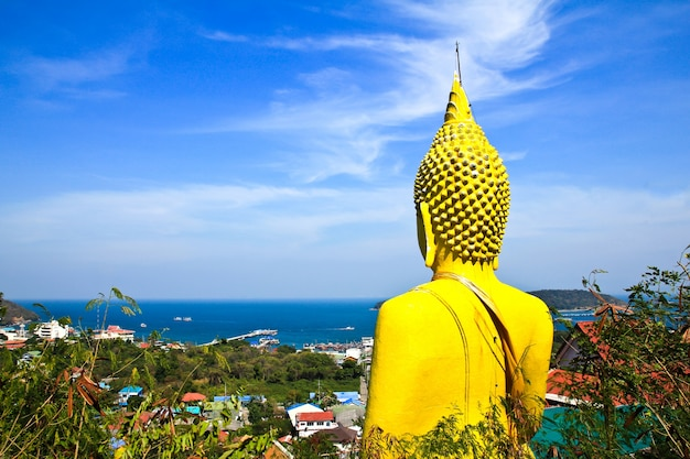 Grande buddha nell'isola di sichang