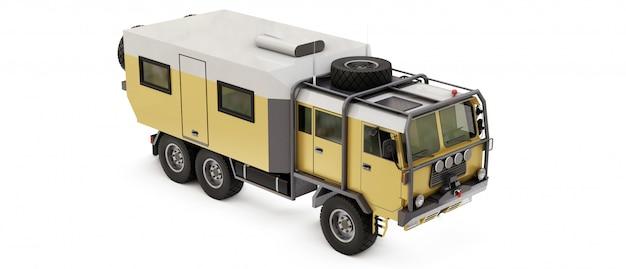 Grande camion preparato per spedizioni lunghe e difficili in aree remote