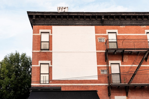 Grande cartellone mock-up su un edificio