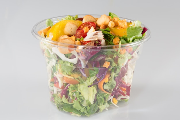Grande insalata da asporto in verdure per camion