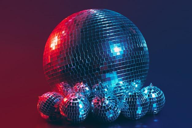 Grande palla da discoteca da vicino