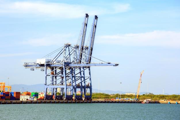 Grande porto industriale