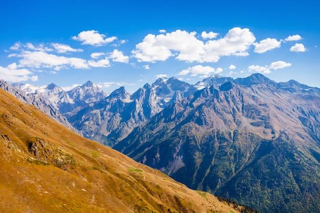 Grandi montagne del caucaso